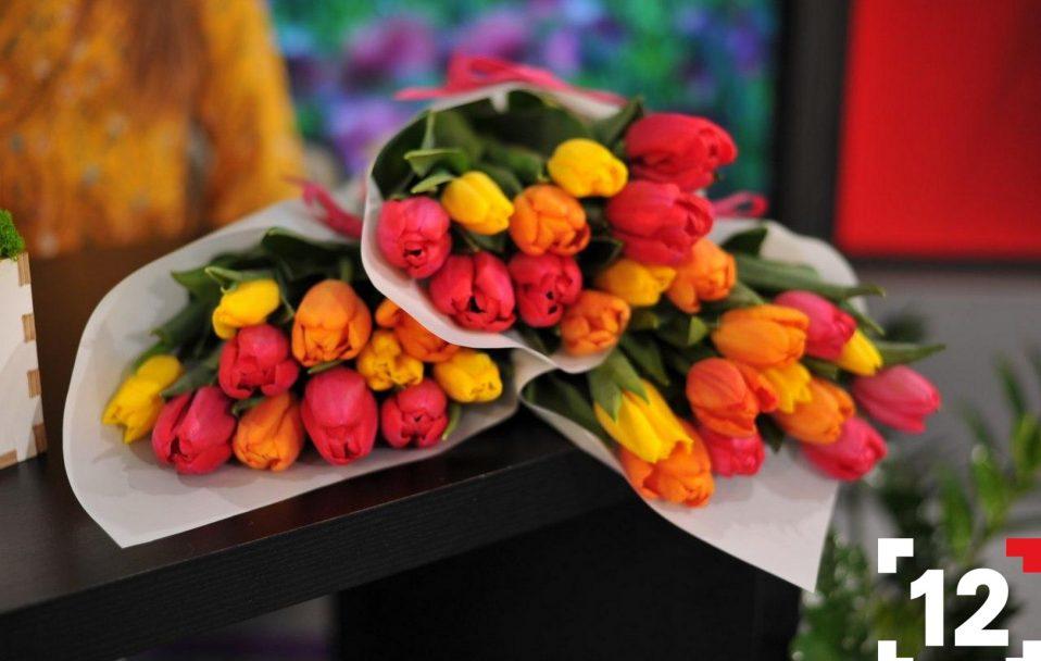 Море квітів і вишукані подарунки: на 12 каналі влаштували свято весни. ФОТО