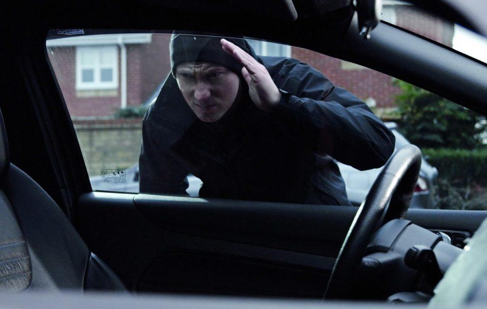 """У Луцьку масово """"чистять"""" автівки: щовечора – до 5 крадіжок"""