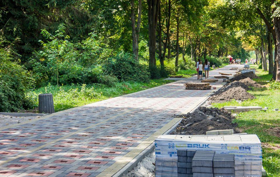 У парку Луцька хочуть відремонтувати доріжку за 3 500 000 гривень