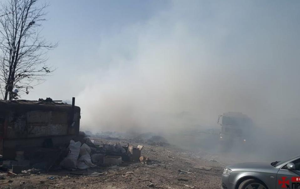 У Ківерцівському районі загорілось сміттєзвалище
