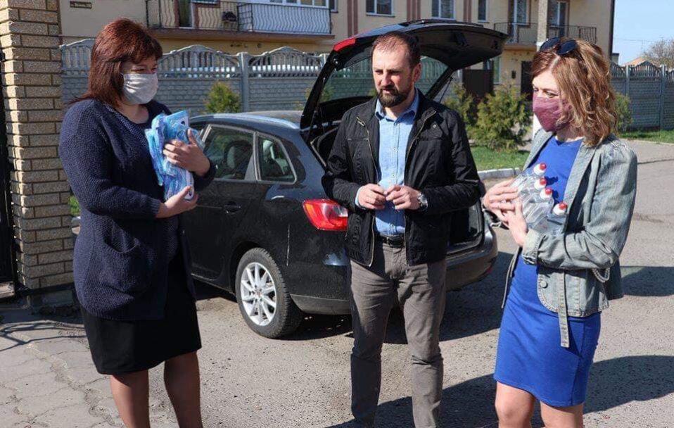 Волинські благодійники передали допомогу військовим і соцпрацівникам