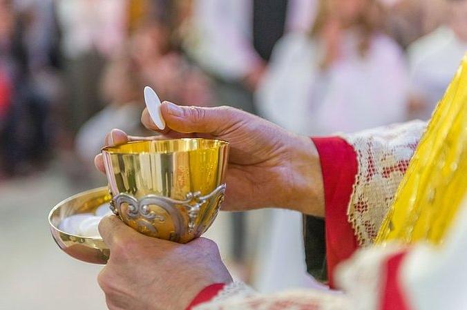 Причастя в умовах карантину: поради волинського священника