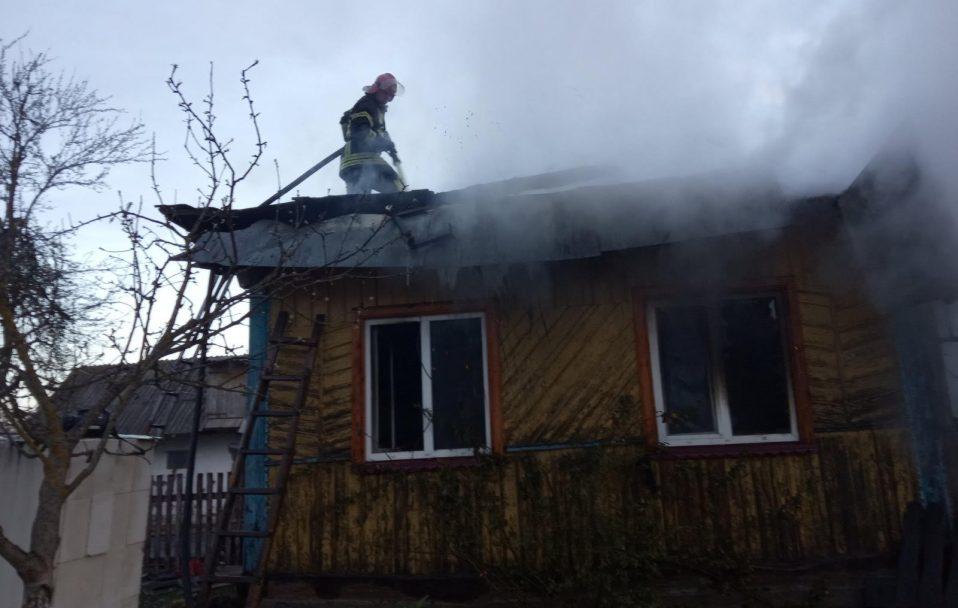 У селі на Волині вщент згорів будинок: без даху над головою залишилася багатодітна сім'я