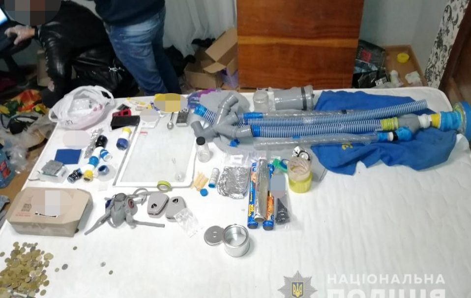 У Луцьку викрили нарколабораторію. ФОТО