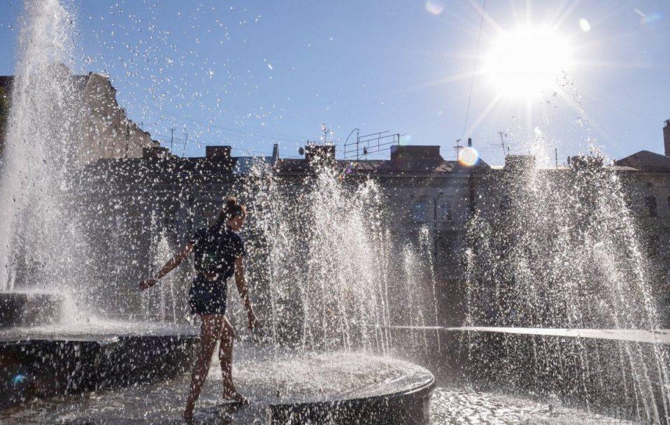 Розповіли, якою буде погода в Україні влітку