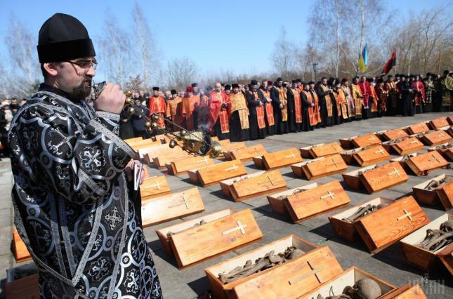 Трагедія комуністичного терору має стати запобіжником від «русского мира», – п'ятий президент України