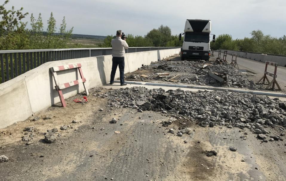 Як ремонтують об'їзну дорогу навколо Луцька. ФОТО