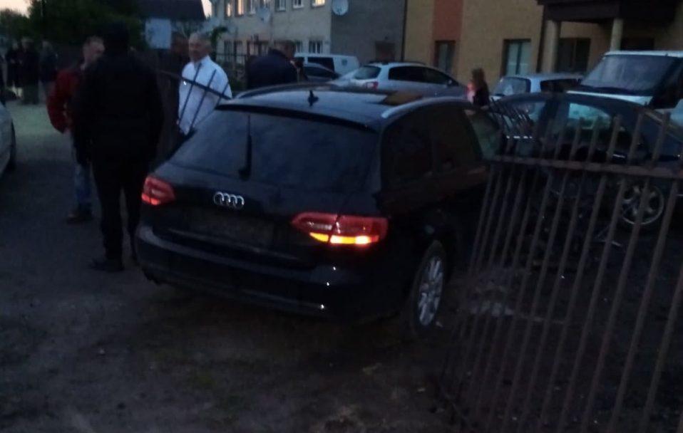 """У Луцьку """"Audi"""" протаранив паркан. ФОТО"""