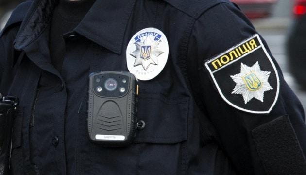 15-річний водій та його батько влаштували шарпанину з поліцейськими та пропонували хабар
