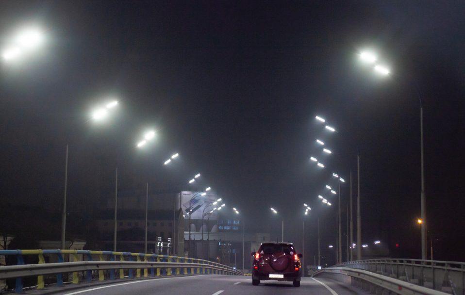 На 23 вулицях Луцька встановлять сучасне освітлення