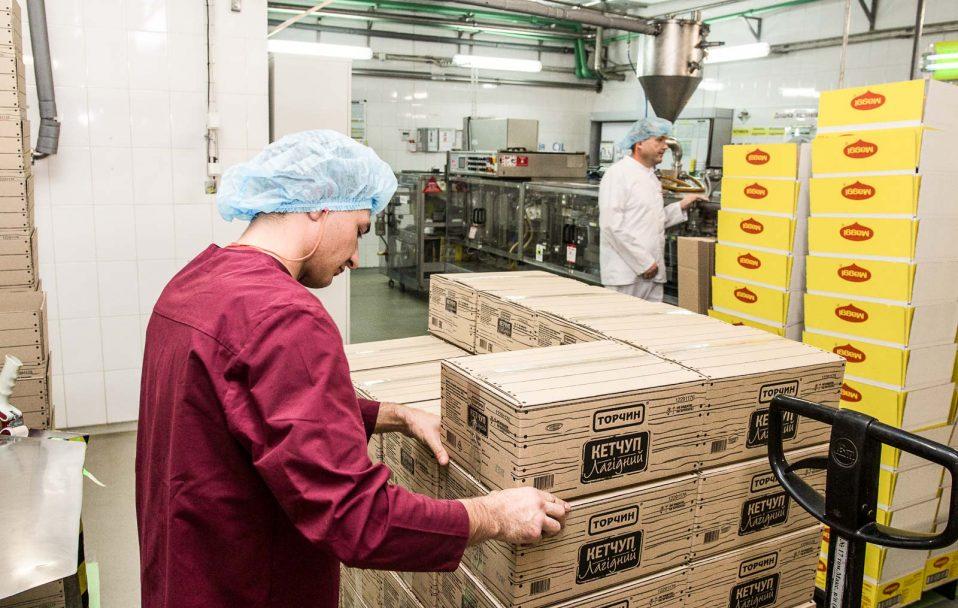Спалах коронавірусу у Торчині: що про це каже керівництво заводу