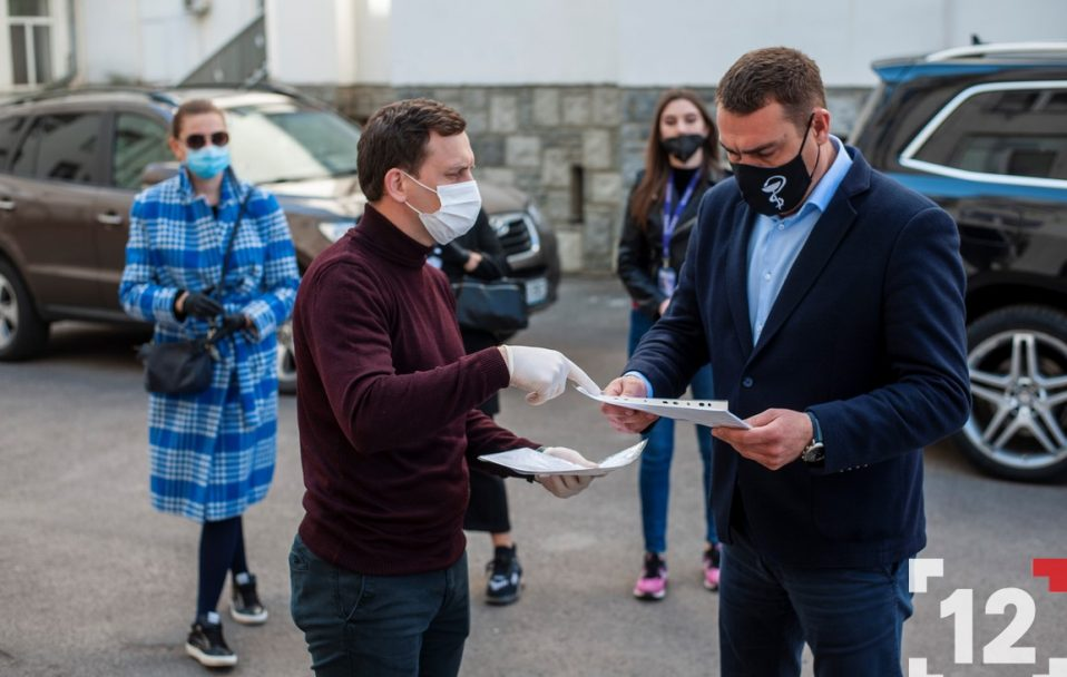 Народний депутат Степан Івахів передав медичне обладнання для Волинської обласної лікарні. ФОТО
