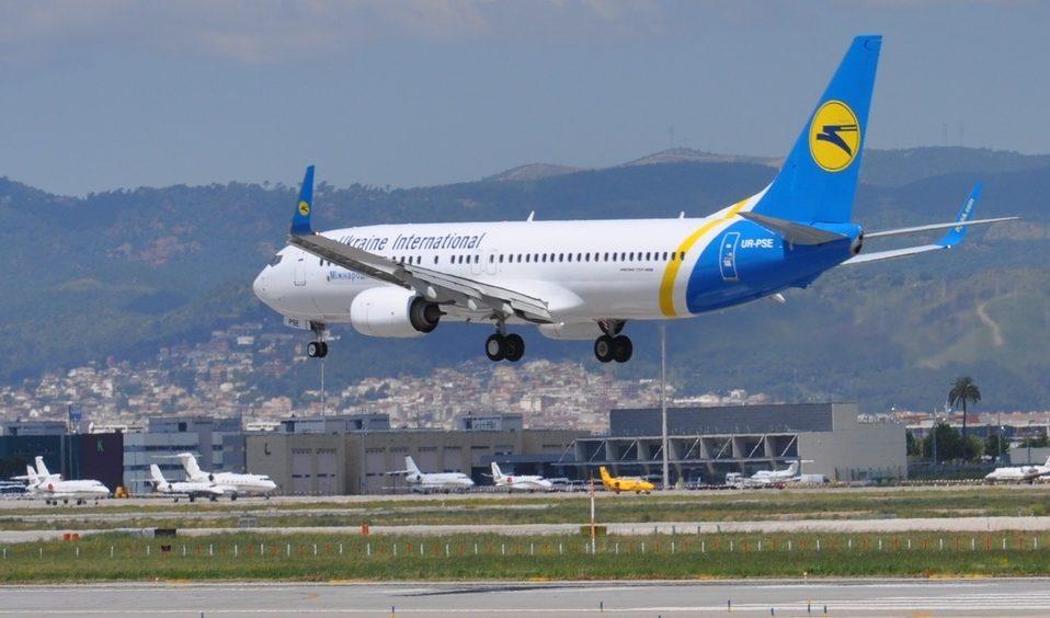 Україна не збирається відновлювати авіасполучення влітку