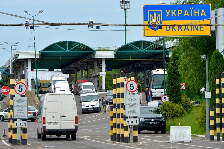 На кордоні з Польщею запрацював пішохідний пункт пропуску