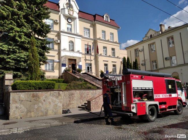 У Луцькраді гасили пожежу. ФОТО