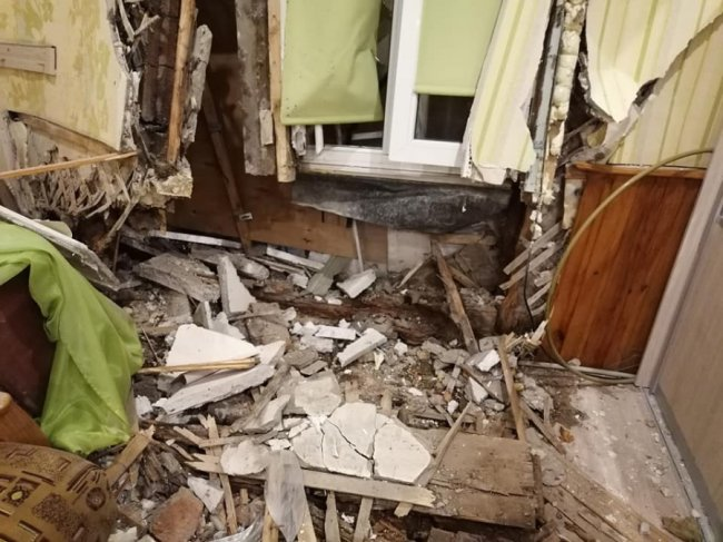 На Волині 20-річний водій протаранив паркан і розвалив стіну будинку. ФОТО
