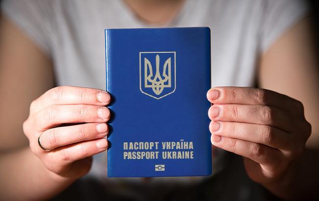 Українцям можуть заборонити їхати в Білорусь за внутрішніми паспортами