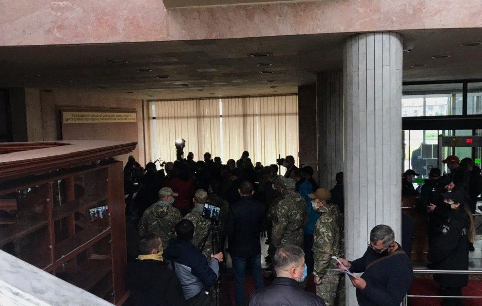 Волинські активісти влаштували акцію протесту через кадрові призначення в ОДА. ФОТО