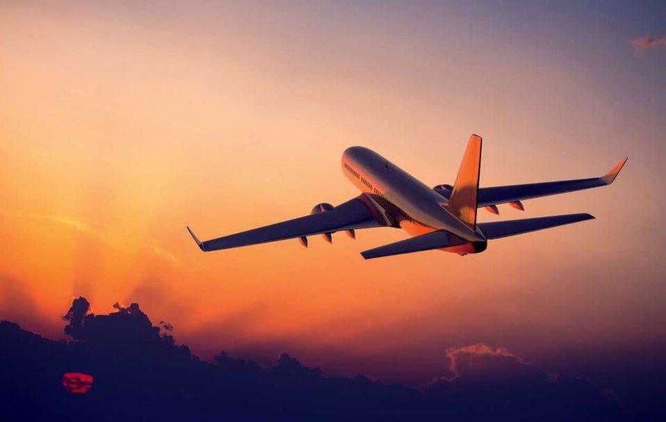 Польща тимчасово не прийматиме літаки з України