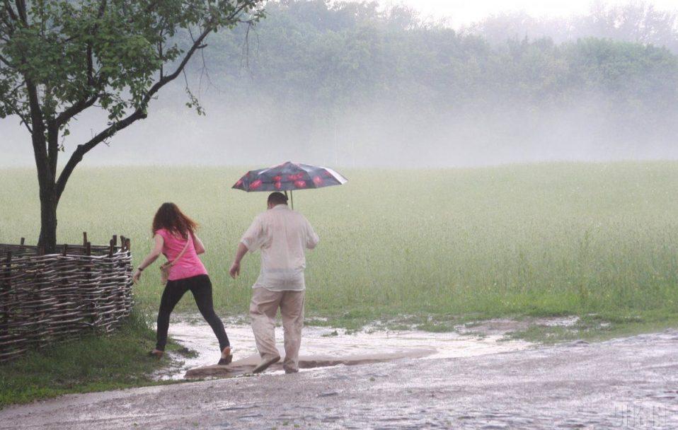 Буде багато дощів: розповіли про погоду в Україні у липні