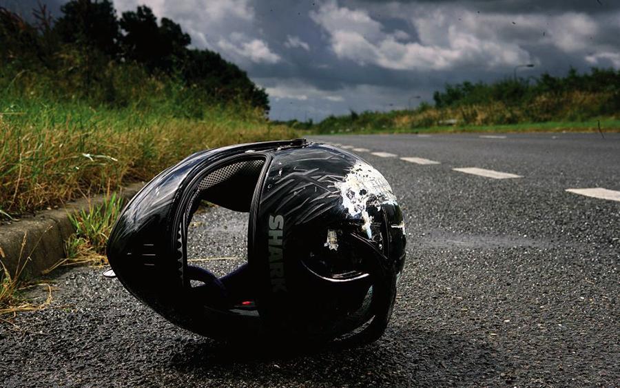 У селі на Волині мотоцикл влетів у паркан: водій загинув