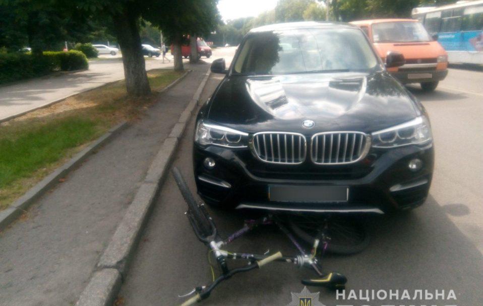 У Луцьку водійка BMW X4 збила 19-річного хлопця. ФОТО