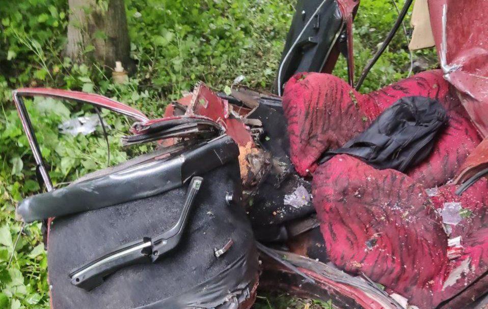 ДТП біля Луцька: від автівки залишилася купа металобрухту, водій – загинув. ФОТО