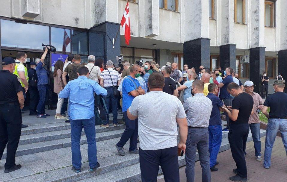 Під Волинською ОДА – мітинг. ВІДЕО