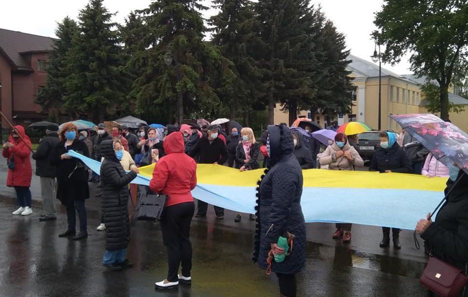 Жителі Княгининівської громади вийшли на акцію щодо приєднання до Луцька. ФОТО