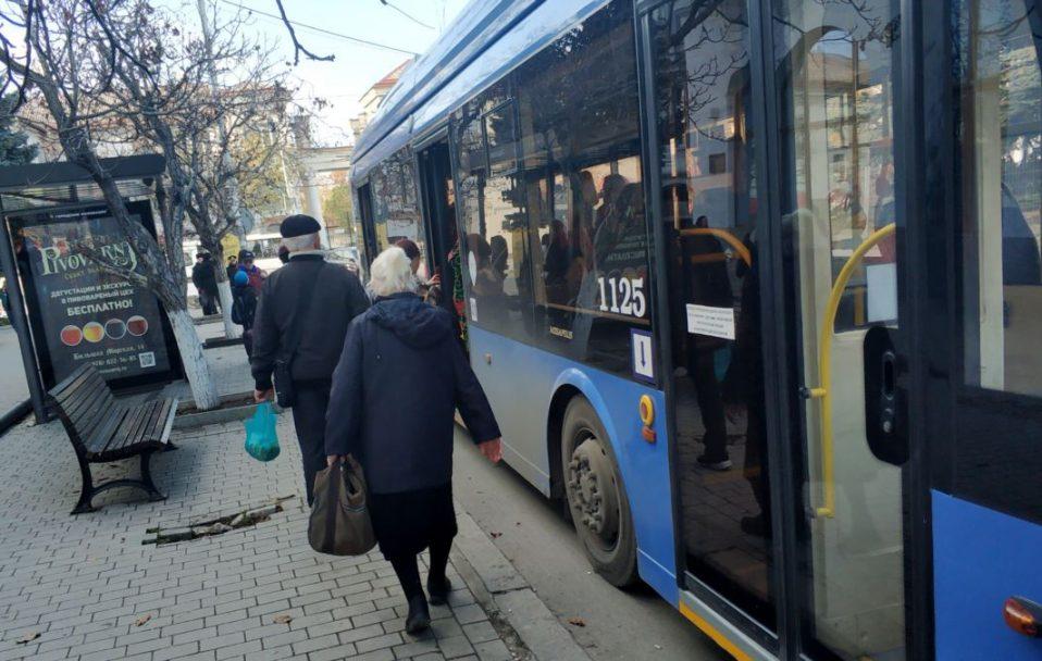 Щодня у луцькому транспорті їздить 16 тисяч пільговиків