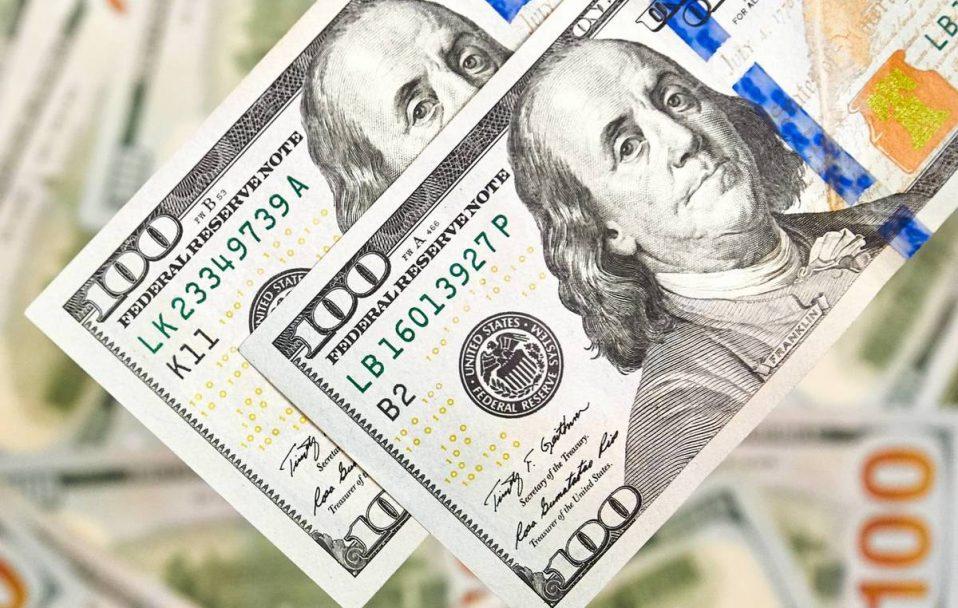 Долар впав ще на 8 копійок: який курс валют в обмінниках Луцька