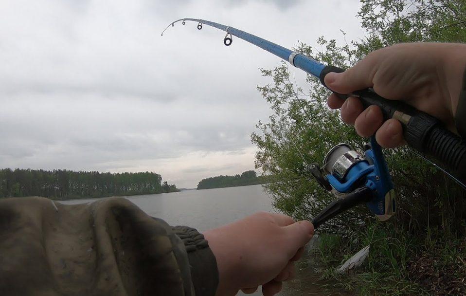 Трагедія на Волині: чоловіка вбило струмом на риболовлі