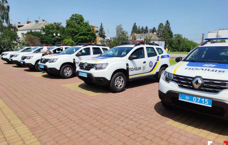 Волинські офіцери громад отримали 25 новеньких авто. ФОТО