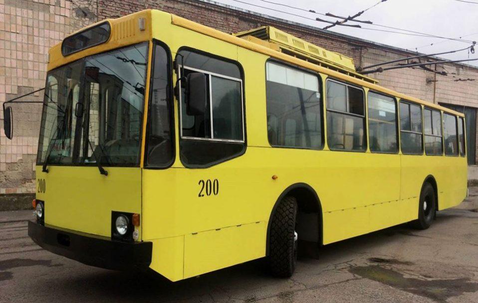 Як новий: у Луцьку тролейбусу дали нове життя. ФОТО