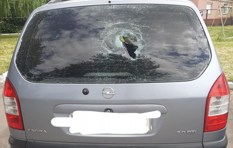 На Волині потрощили автомобіль: шукають очевидців