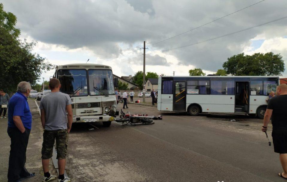 Шукають свідків аварії за участю маршруток в Рожищі