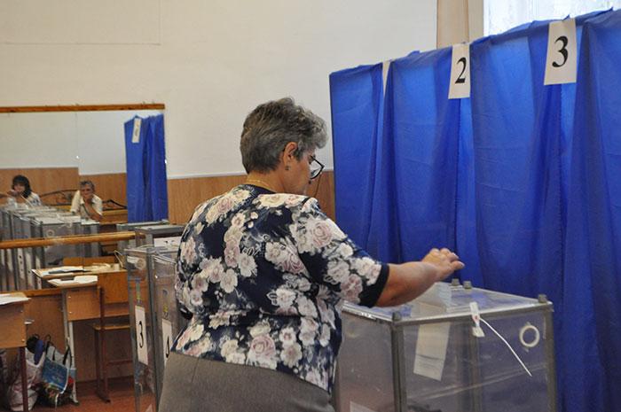 На Волині зафіксували перші порушення на виборах