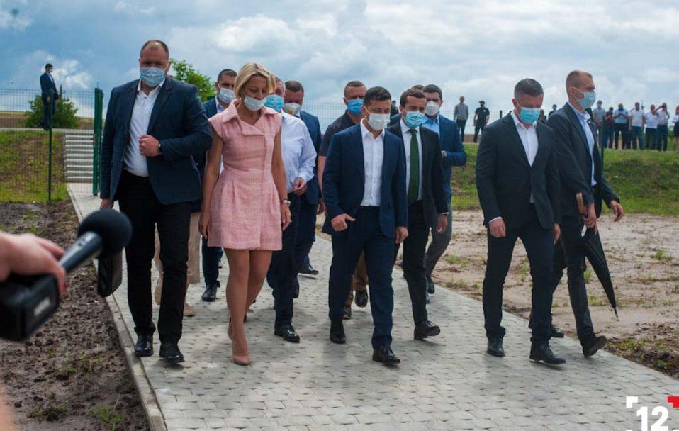 Президент перевірив будівництво дитсадка в селі під Луцьком. ФОТО