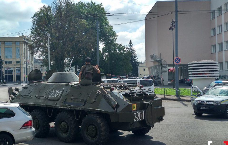 Захоплення заручників у Луцьку: усе, що відомо на цей час. ФОТО. ВІДЕО