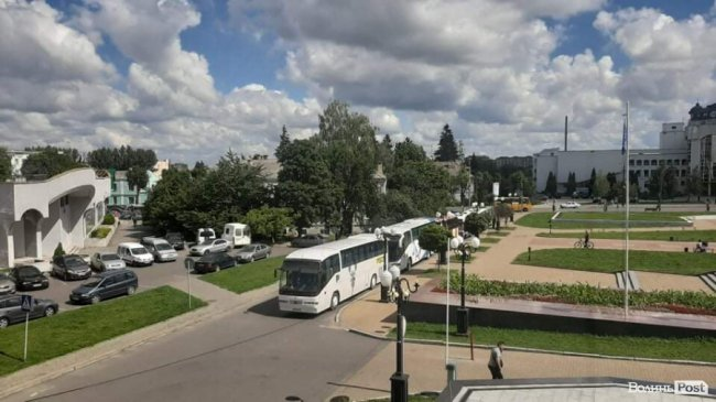 У Луцьку мітингують перевізники. ФОТО