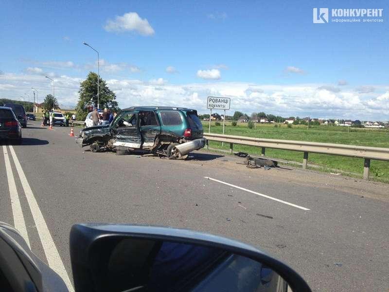 Ранкова аварія під Луцьком: зіткнулися 4 автомобілі. ВІДЕО