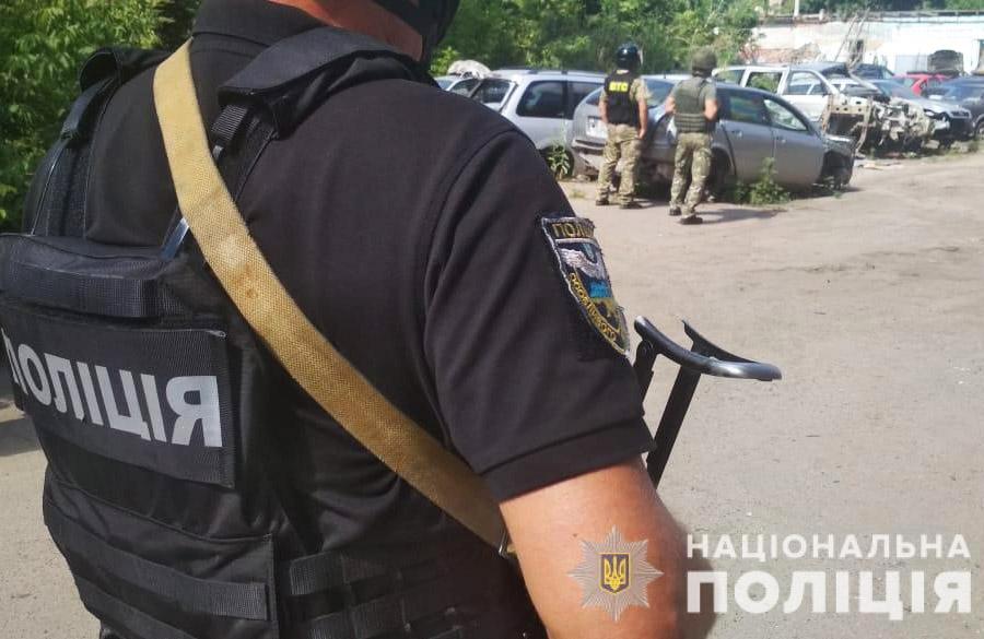 В Полтаві – спецоперація: чоловік погрожує підірвати гранату. ОНОВЛЕНО