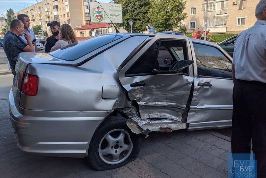 На Волині – аварія за участю 4 автівок. ФОТО