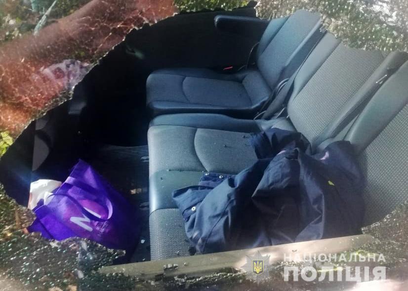На Волині обікрали депутата: винесли з машини 30 000 гривень. ФОТО