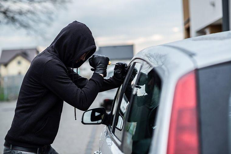 На Волині затримали молодика на краденому автомобілі