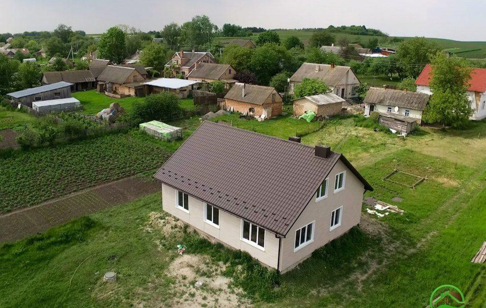 Будинок за ціною авто: волинська компанія пропонує вигідне житло*