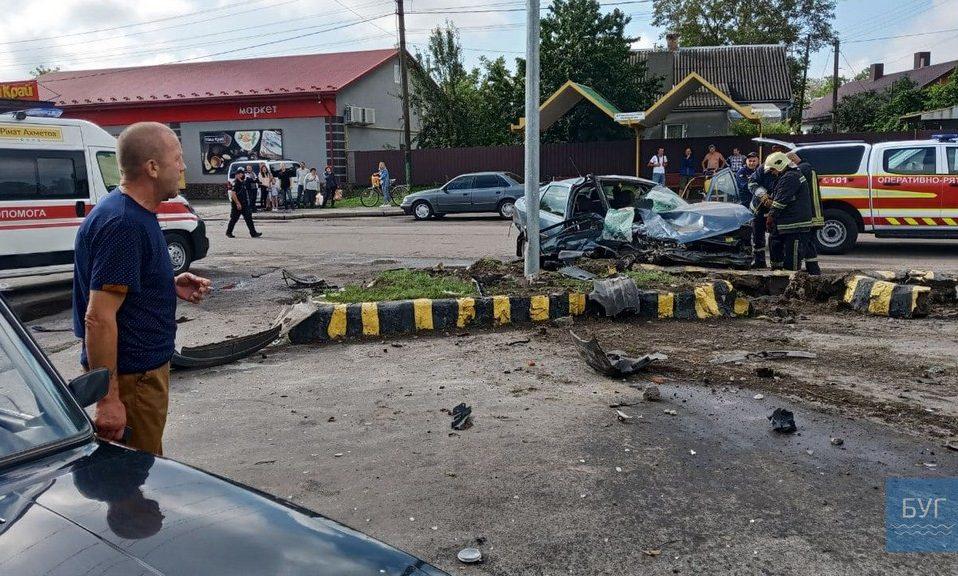 ДТП на Волині: одна з автівок розтрощена вщент. ВІДЕО. ФОТО
