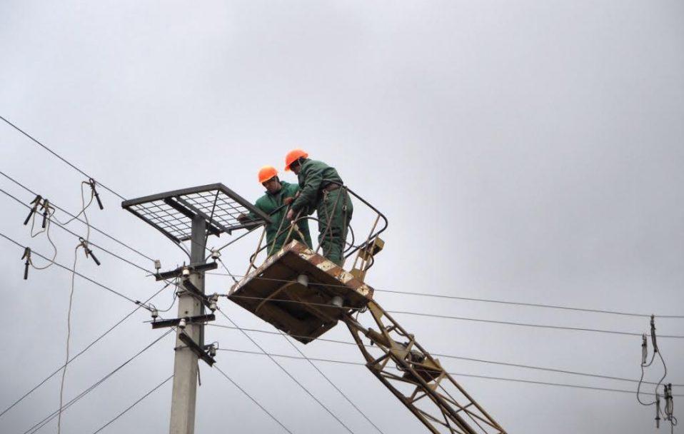 Відключення електроенергії у Луцьку 18 вересня: назвали адреси