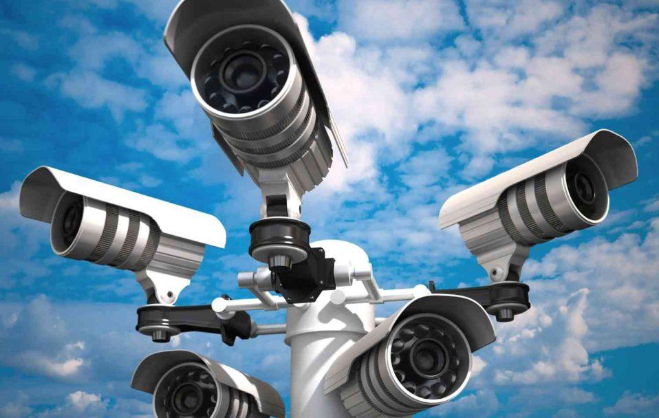 У центрі Луцька встановили камери з потужним зумом: бачать навіть прилеглі села. ВІДЕО