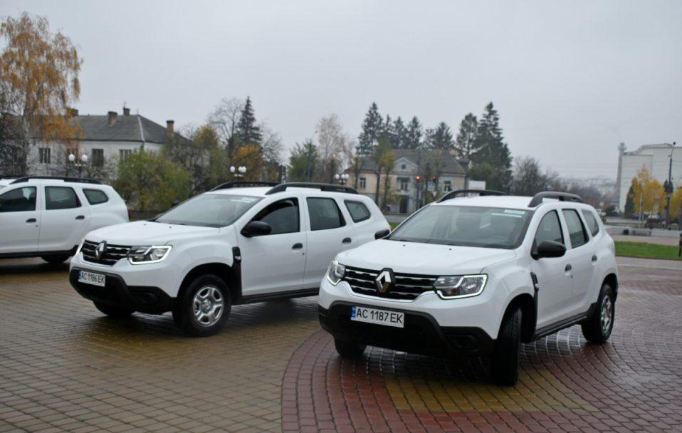Авто для амбулаторій: волинські медики отримали 7 новеньких автомобілів. ВІДЕО